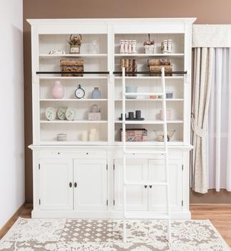 Bücherregal mit Leiter weiß